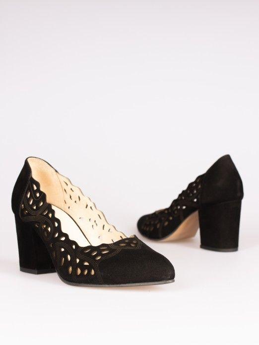 Cut-out Detail Shoes