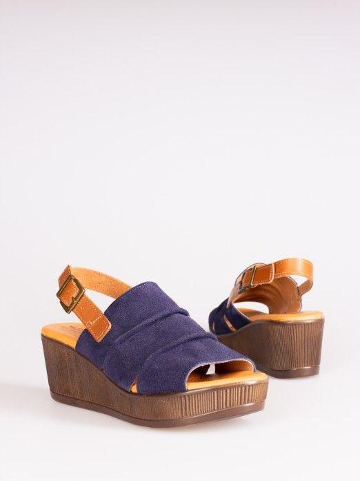 Pleated Wedges