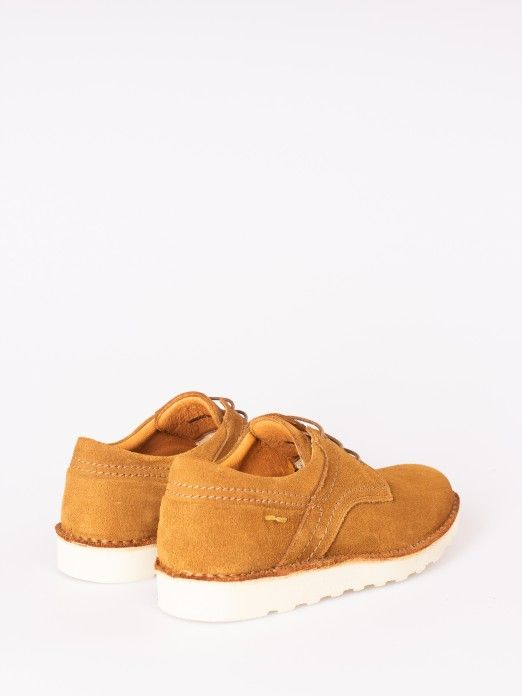 Sapato de Camurça Sola Grossa