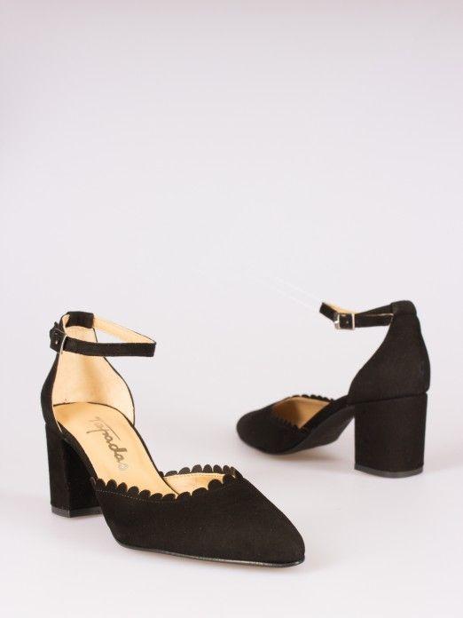 Sapato Camurça Efeito Rendado
