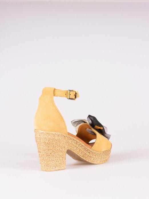 Sandals with Textile Lace