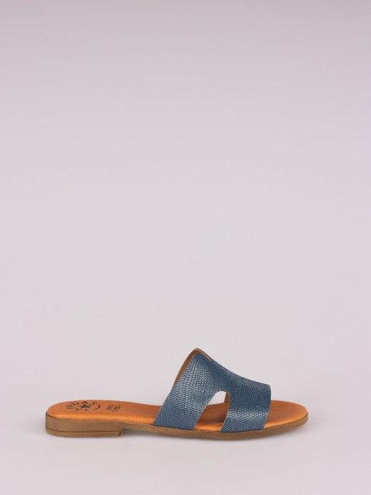 Side Cutout Flat Slipper