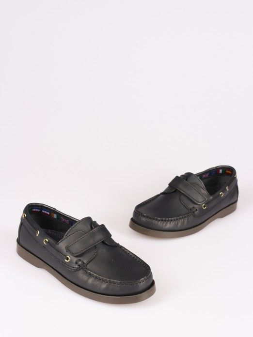 Velcrp Strap Sailing Shoes - Sizes 34/37
