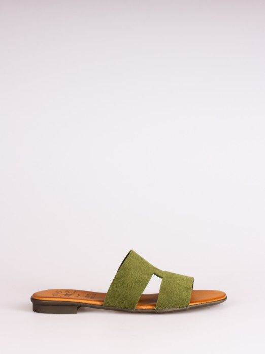 Side Cutout Suede Slipper