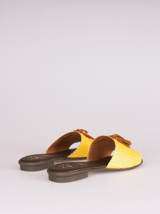 Raffia Slipper with Tassel