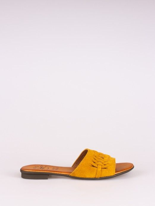 Braided Effect Suede Slipper