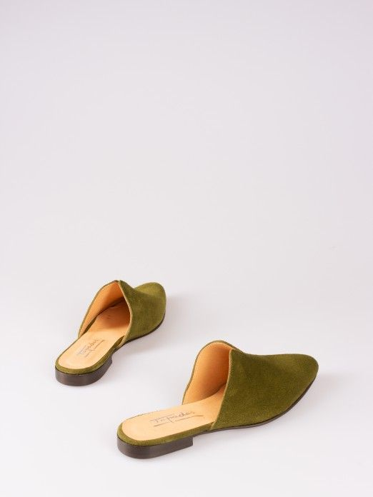 V-Shaped Detail Suede Mules