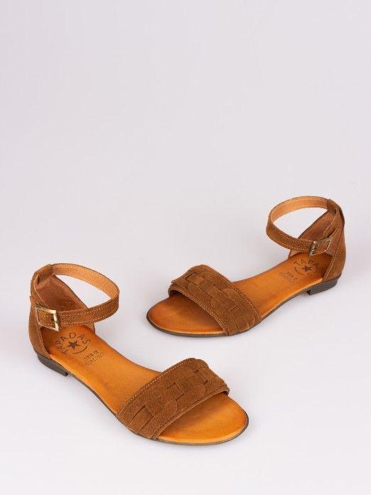 Sandália de Camurça Efeito Argolas