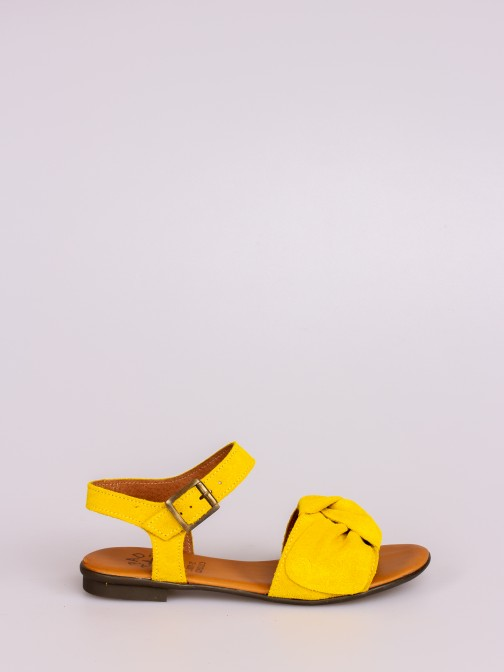 Flat Sandal with Knot
