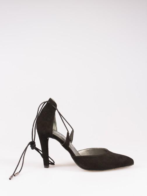 Sapato com Atilhos