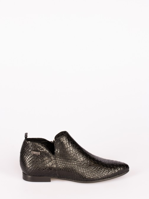 Engraved Leather Ankle boots