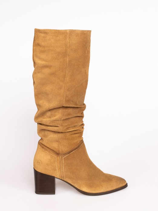 Wrinkled Suede Knee-high Boots