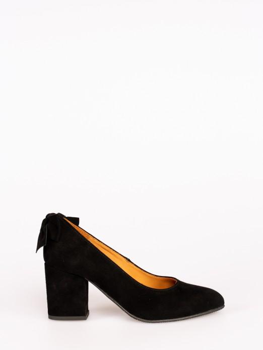 Sapato em Camurça com Laço