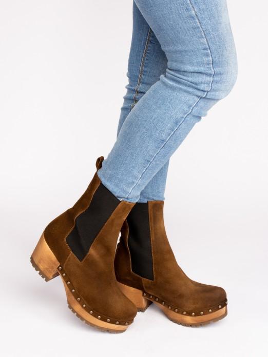 Wood Heel Boots with Elastic