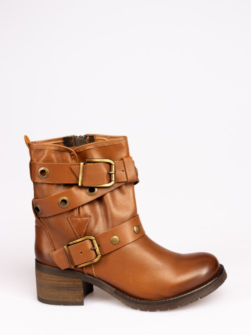 Mid-calf Boots with Buckles