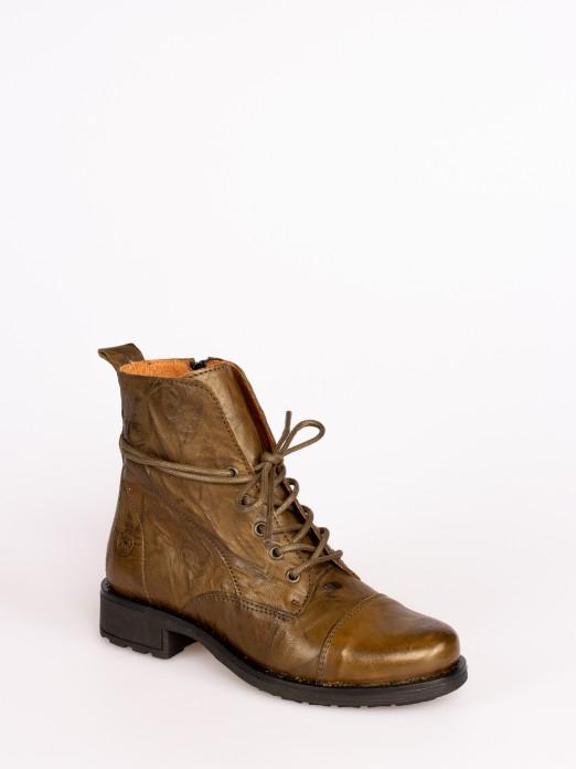 Shriveled Leather Lace-up Boots