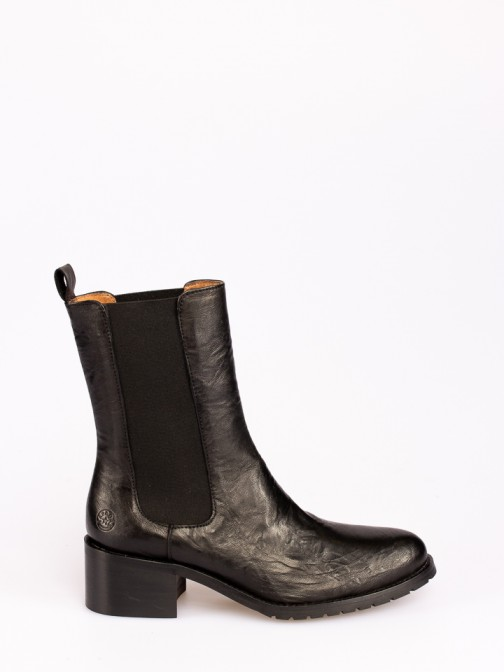 Leather Boots with Elastics