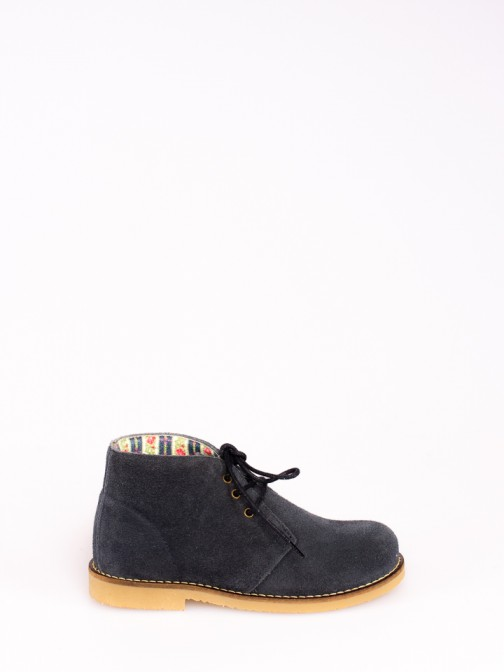 Suede Boots with Laces
