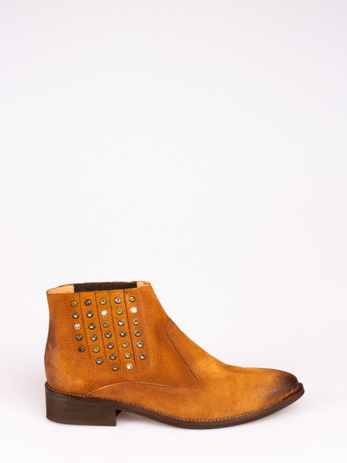Suede Ankle Boots with Taches