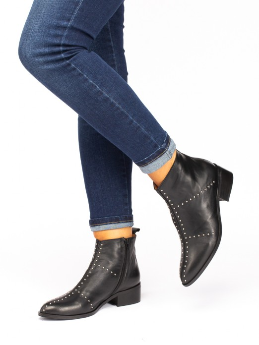 Leather Boots with Taches