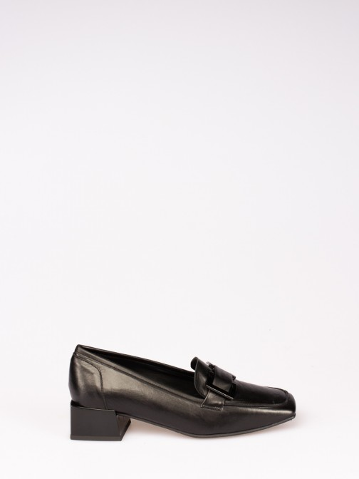 Leather Shoes with Square Heel
